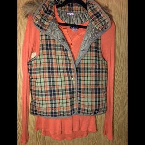 Plaid Vest in Trendy Fall Colors!!